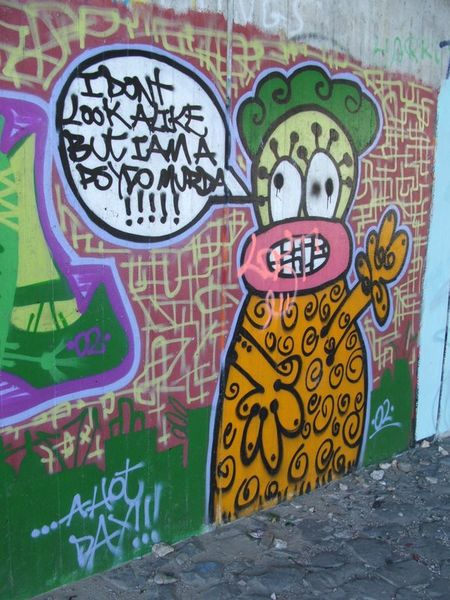 Graffito I dont looke alike under Fleher Bruecke
