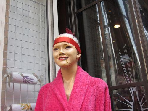Store Mannequin Rue de Clichy
