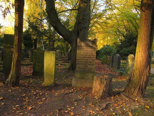 Nordfriedhof Jewish Cemetery Older Jewish Gravestones