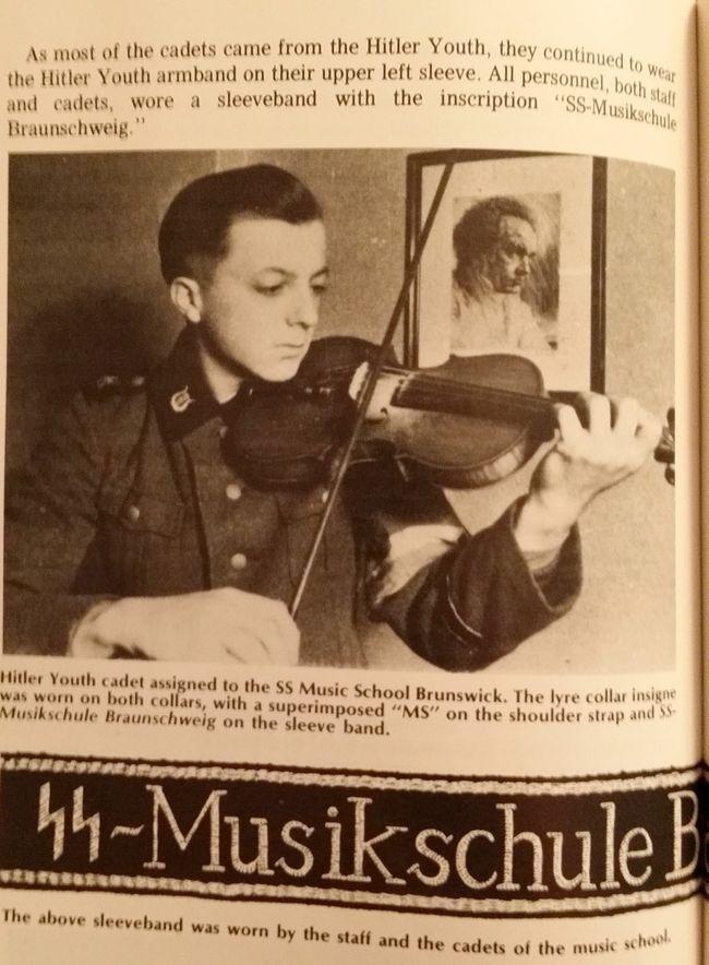 SS violinist.59