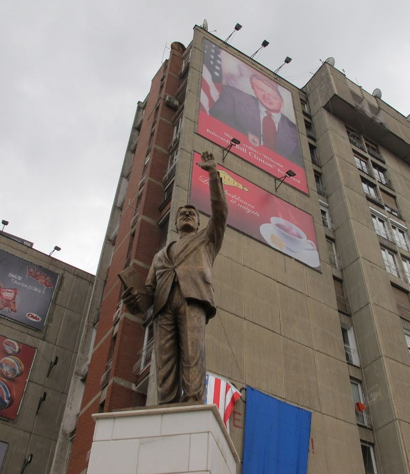 051 - Prishtina Statue of Bill Clinton 2